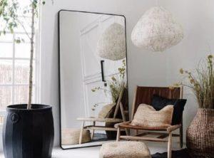 Mitos Cermin yang Sampai Saat Ini Masih Dipercayai. Pernah Dengar yang Mana?