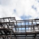 Rangka Atap Baja Ringan Vs Kayu, Lebih Baik Pilih yang Mana?