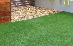 Yuk, Cari Tahu 8 Kelebihan dan Kekurangan Rumput Sintetis | Cocok untuk Taman & Halaman