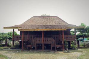 Rumah Adat Lampung: Sejarah, Jenis, Bagian Bangunan dan Fakta Unik