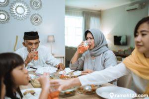 6 Amalan Bulan Ramadhan yang Menambah Pahala & Dicontohkan Rasul