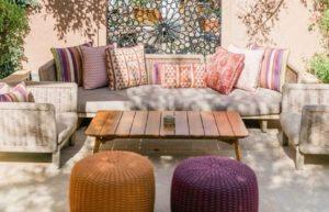 10 Ide Dekorasi Ruang Tamu Gaya Maroko, Hunian Jadi Lebih Eksotis