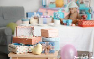 9 Ide Kado untuk Bayi yang Baru Lahir. Bermanfaat dan Bisa Dipakai Turun-temurun !