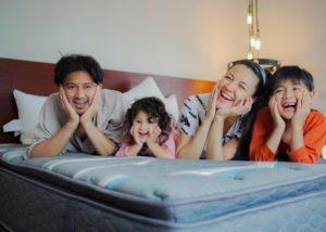 Dibangun 2,5 Tahun, Begini Tampilan Rumah Baru Milik Ryan dan Sharena Delon
