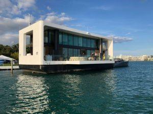 Bisa Mengapung di Atas Laut, Rumah Mewah 2 Lantai Ini Bebas Tenggelam dari Teluk Jakarta