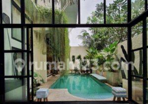 Bak Villa Mewah, Rumah Modern Tropis di Tengah Jakarta Ini Dijual Rp14,9 Miliar